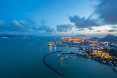 前海:推进更紧密的深港合作