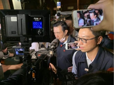 台铁翻覆事故后 马英九这一动作让网友纷纷喊赞