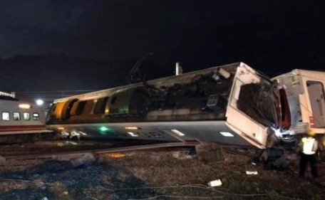 台铁出轨事故已致18死187伤 大陆乘客1重伤1轻伤