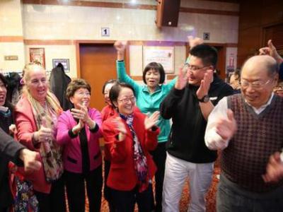 美国华裔女市议员成功连任 再创历史