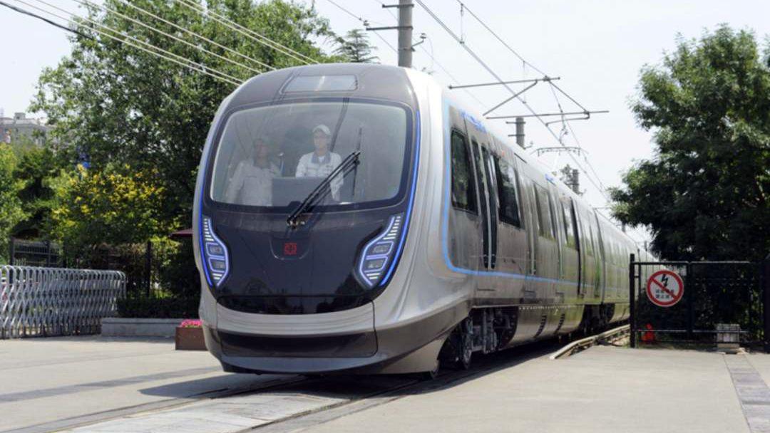 未来地铁!我国下一代碳纤维地铁列车试跑