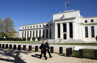 疫情下的美国经济:美联储孤掌难鸣 频喊国会帮忙