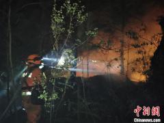 福建三明突发森林火灾 消防紧急扑救