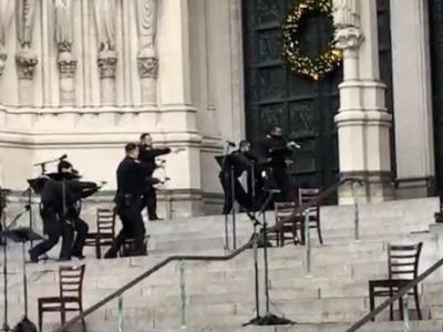 美国纽约一教堂附近发生枪击案 枪手朝警方开火