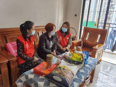 传递党组织的温度 新庄社区慰问计生特殊家庭