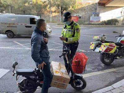 交警部门持续开展电动二轮车违法综合整治行动