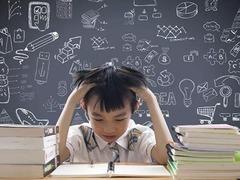 叫停家长检查批改作业,为何总是难落实?