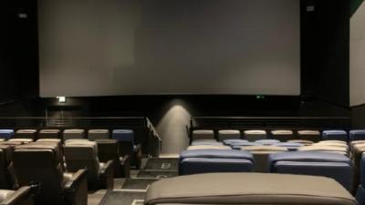猫眼电影:2月票房超111亿,创中国电影单月票房新纪录