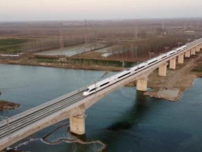"""""""八纵八横""""高铁网最长横向通道,连云港至乌鲁木齐明天全线贯通"""