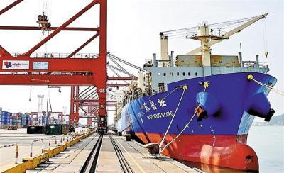 1814立方米生产线设备从大铲湾出口印度