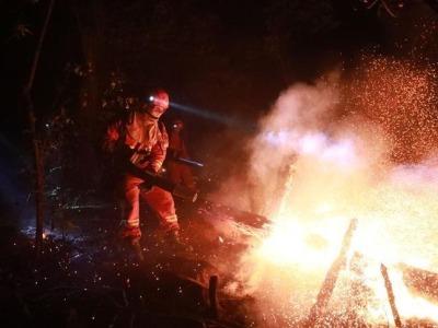 云南禄劝发生森林火灾,现场已投入527人参与扑火