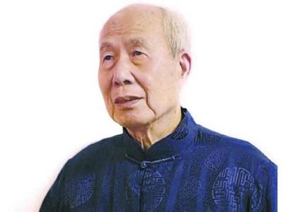 """96岁旅美文学家王鼎钧举办线上分享会:""""中国方块字可以连成大地山河"""""""