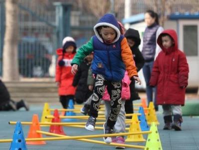全国人大代表林勇:建议将幼儿园纳入义务教育,以解后顾之忧