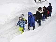 日本北海道遭遇强暴风雪