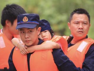 李克强对防汛抗旱作重要批示:全力保障人民群众生命财产安全