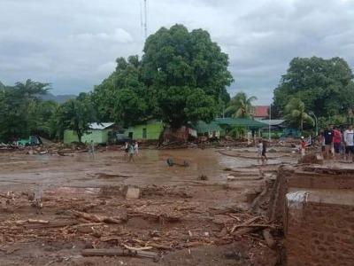 印尼洪灾已致55人死亡40人失踪,预计人员伤亡还将增加