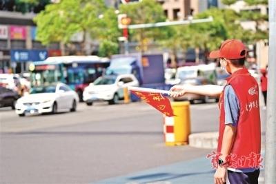 沙井街道搭建学生志愿服务平台,组建少先队员交通文明劝导队