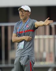 (体育)(5)足球——中超:青岛胜重庆两江竞技