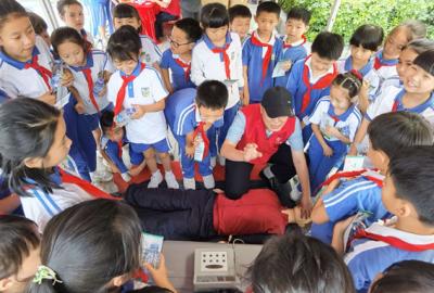 龙城龙红格社区防灾减灾宣传进校园、进小区