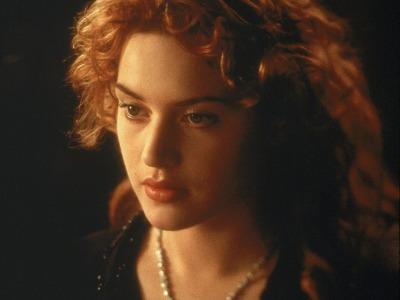 中年凯特·温斯莱特,演了一个最接近自己的角色
