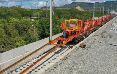 最新进展!途经光明的赣深高铁全线正线轨道铺设完成,将于年底通车