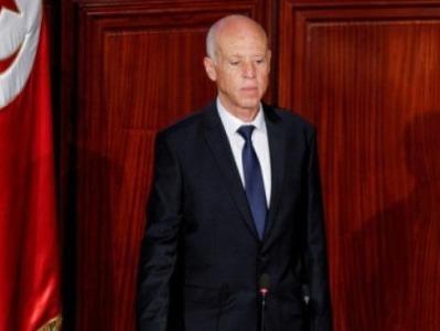 突尼斯总统解职总理,军方封锁议会