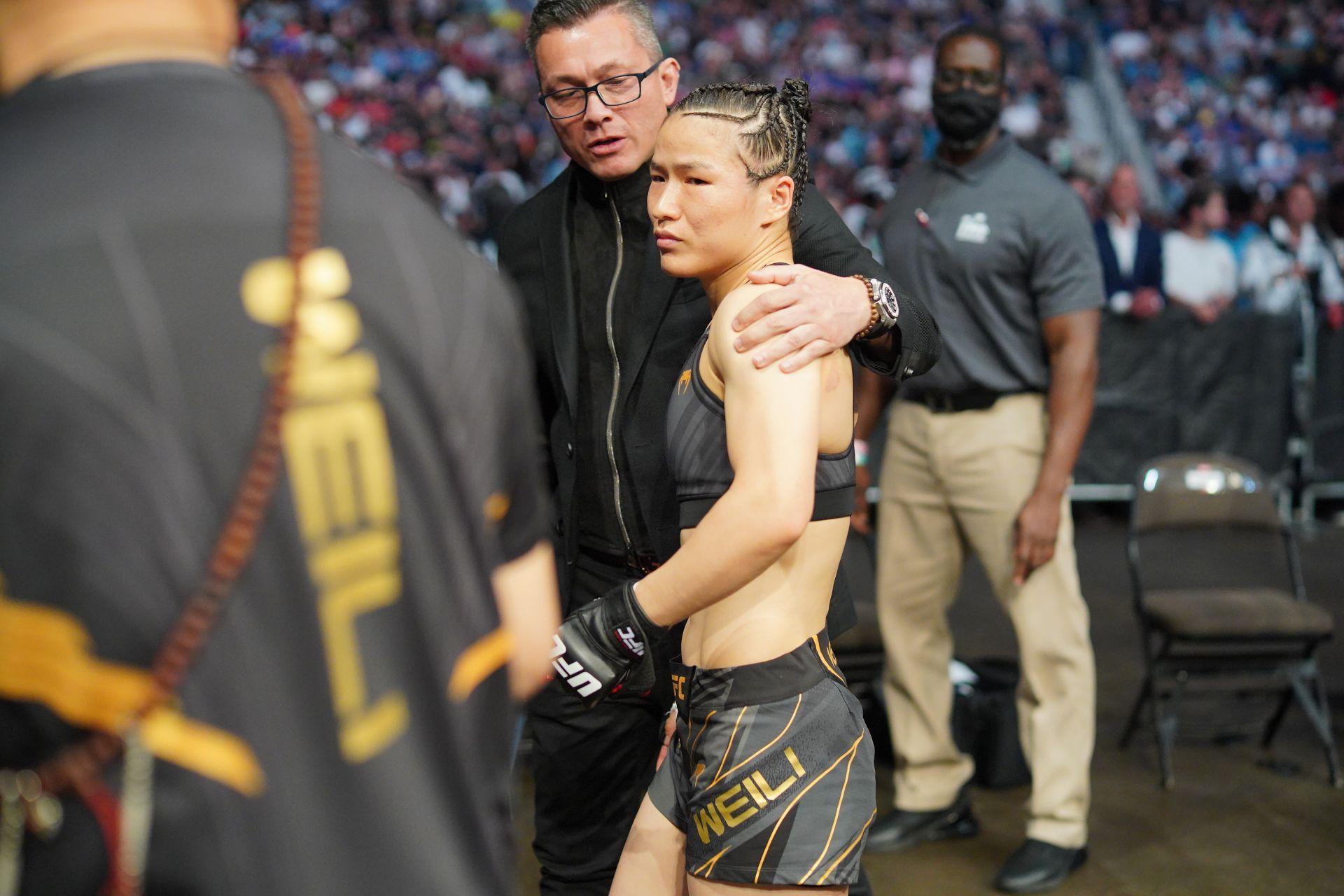 11月7日,张伟丽UFC再战罗斯!削发明志的她期待复仇
