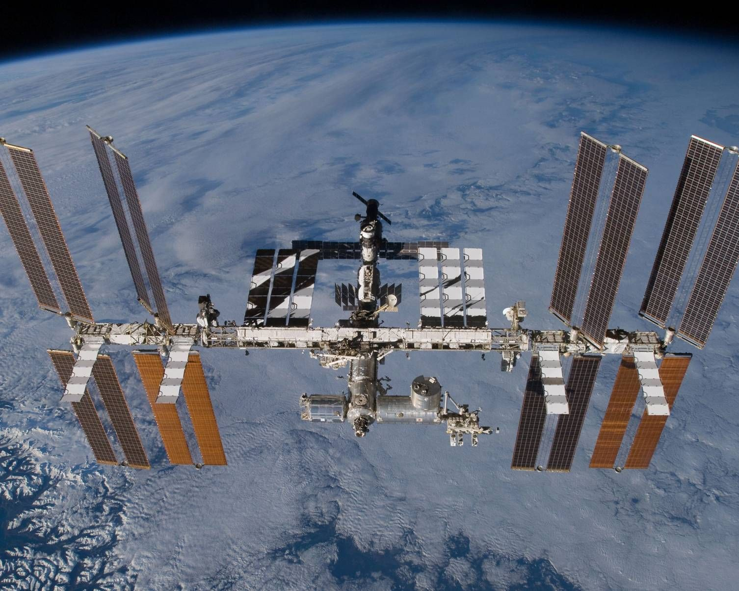 国际空间站2024年或退役,NASA想延长再用商业的接替