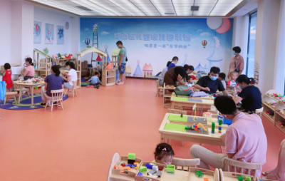 深圳坪山区儿童玩具图书馆开始打卡啦!