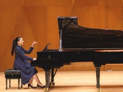"""""""我爱你中国——中国钢琴作品赏析音乐会""""在深圳大剧院举行"""