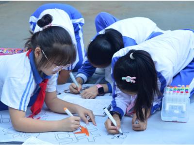 龙岗吉华:校园百米禁毒画在华龙学校启动
