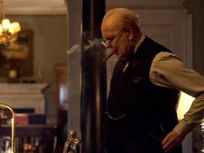 《至暗时刻》定档12月1日  再现丘吉尔与敦刻尔克实录