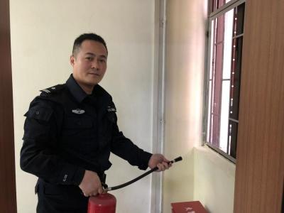 每日警星 | 张军:忠诚守护辖区消防安全