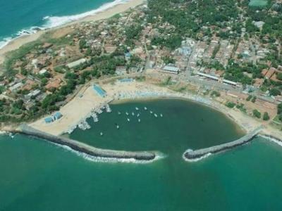 """汉班托塔港经营权移交中国 或将建成""""斯里兰卡的蛇口"""""""