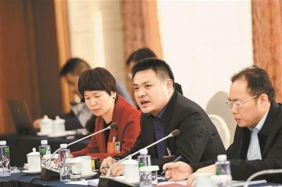 广东代表团热议政府工作报告 将奋斗进行到底共创美好明天