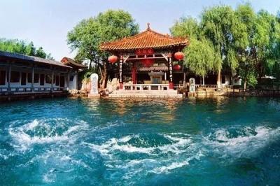 世界首条泉下地铁在中国诞生!它穿过了趵突泉