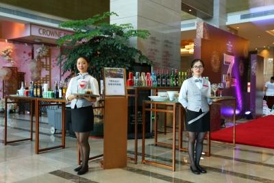 深圳龙岗珠江皇冠假日酒店七周年庆典惊喜不断