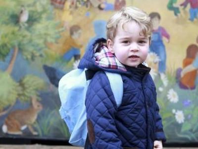 乔治王子今迎5岁生日 英国王室公开王子最新萌照