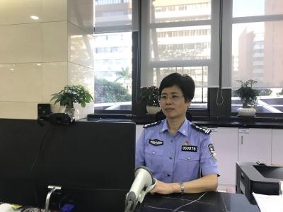 """刘璐萍:爱岗敬业的窗口""""孺子牛"""""""