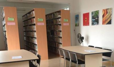 盖学校捐图书派名师 深圳多措并举支持汕尾教育发展