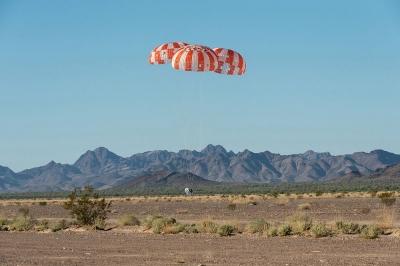 """NASA""""猎户座""""太空船降落伞系统完成最终测试"""