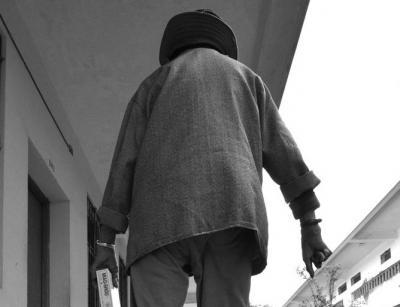 龙岗坂田街道市容巡查员帮助找回走失老人