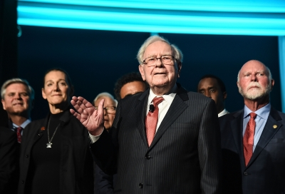 美股全线重挫,导致暴跌800点,巴菲特财富一日蒸发45亿美元