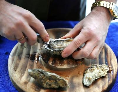 深圳瑞吉酒店·秀餐厅开启世界四大生蚝产区至鲜原味