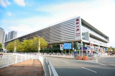 深圳各口岸31日迎来旅客返程高峰