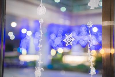共享温馨时刻 深圳机场凯悦酒店首次举办圣诞亮灯仪式