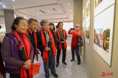 她们都是追梦人!深圳女摄影家百幅作品展出