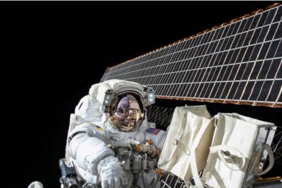 妇女成就新举:首次全员女宇航员太空探索