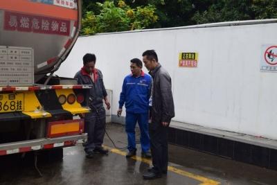南山区应急管理局全面加强加油站等单位安全监管工作