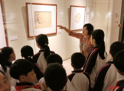 东莞39位小学美术教师作品在莞城展出